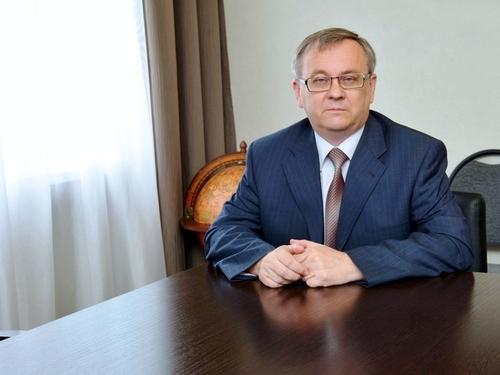 Коллектив университета сердечно поздравляет ректора СГУ, профессора А.Н. Чумаченко с юбилеем!