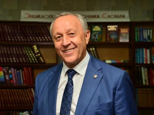 Глава региона поздравляет университет с Днём защитника Отечества