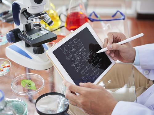 Факультет фундаментальной медицины и медицинских технологий СГУ открывает двери